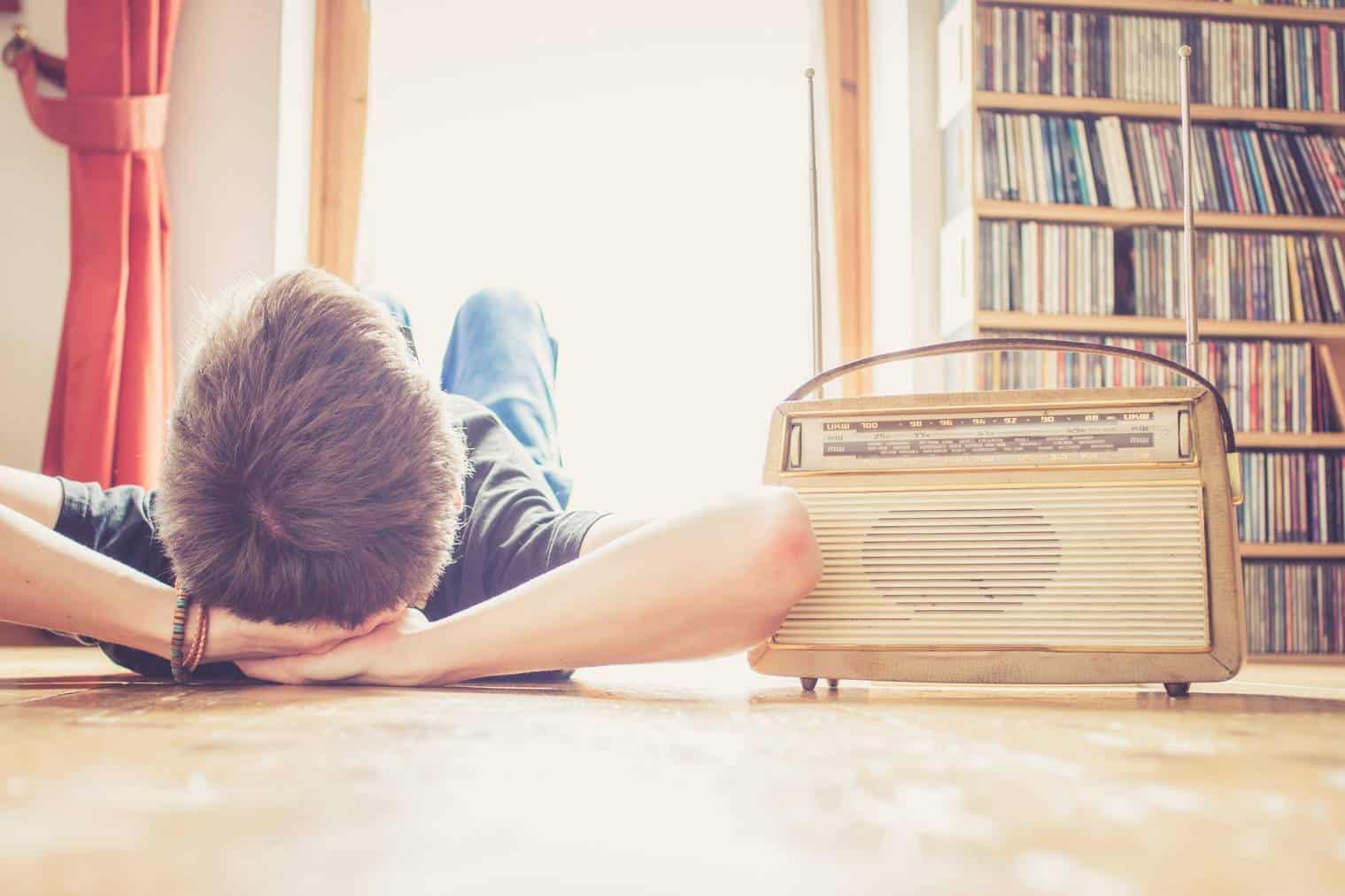 Quelle Radio écouter pour les jeunes adolescents ?